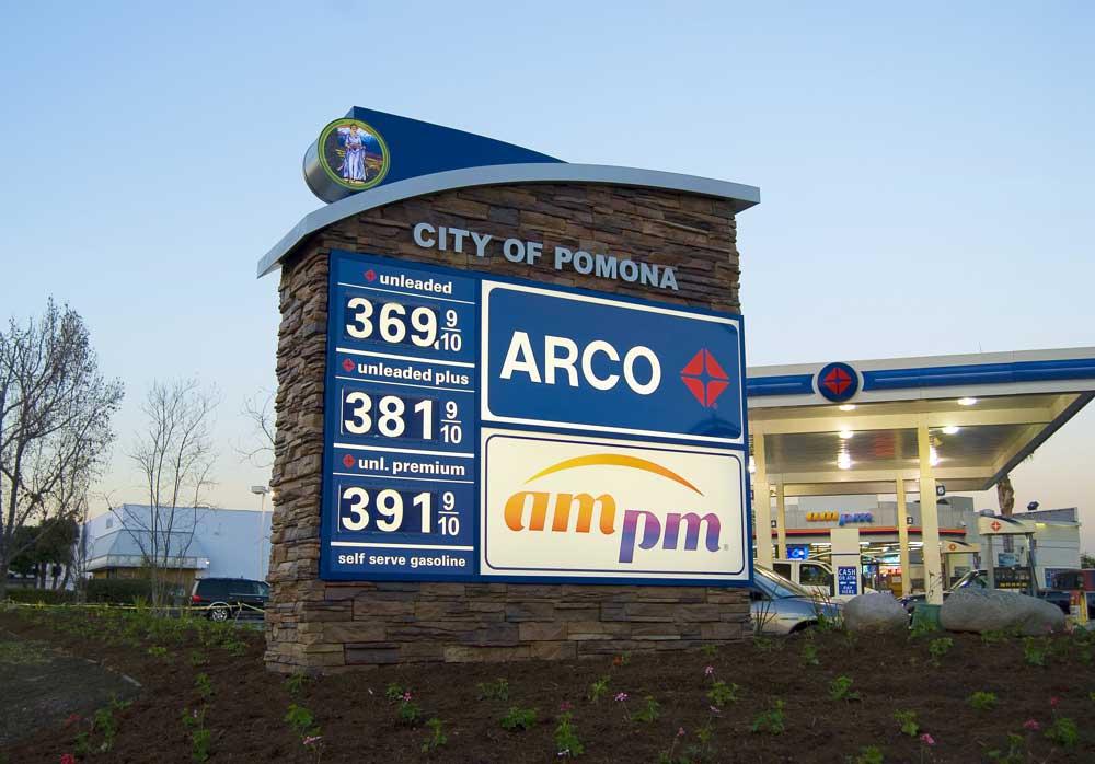 Arco Monument Inland Signs San Bernardino
